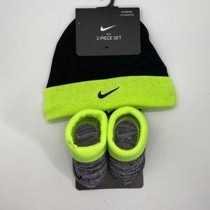 Baby Nike hat/bootie set